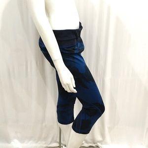 Lululemon Womans Blue Floral Leggings
